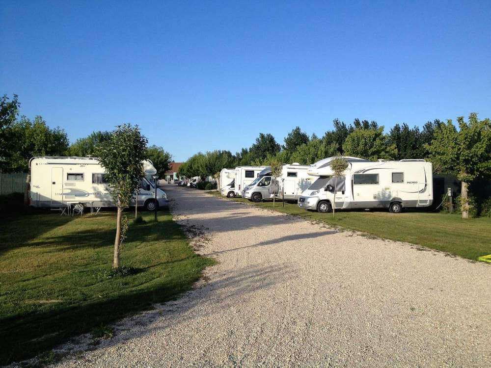 Area sosta camper gulliver di roseto degli abruzzi te giro per campeggi - Sosta camper bagno di romagna ...