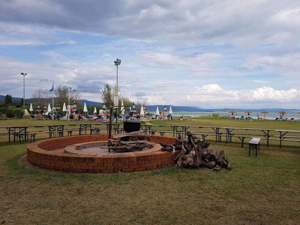 Camping Village Badiaccia di Castiglione del Lago (PG) - Vista Lago