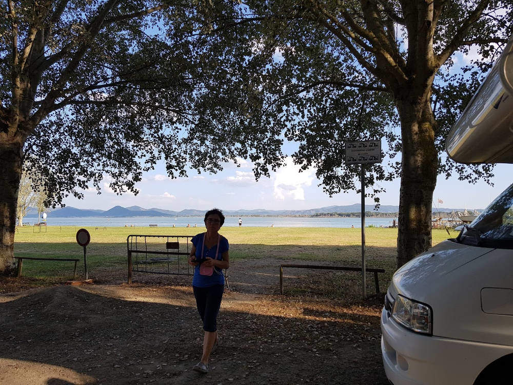 Camper Parking Castiglione del Lago (PG) - vista lago