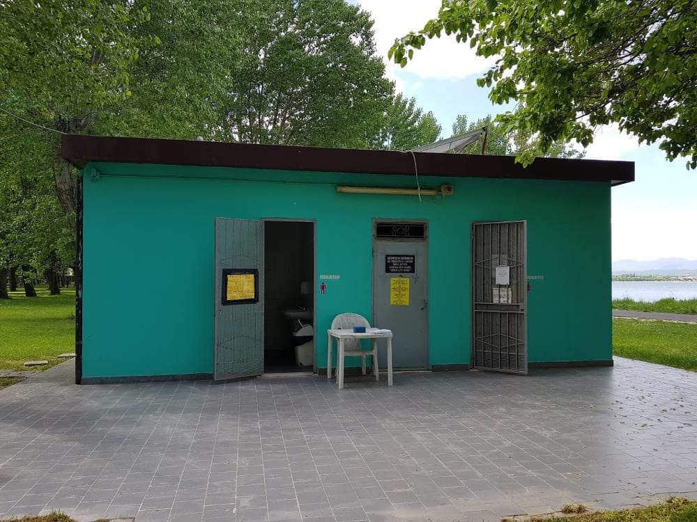 Area Camper Lugana Marina di Sirmione (BS) - bagni e docce