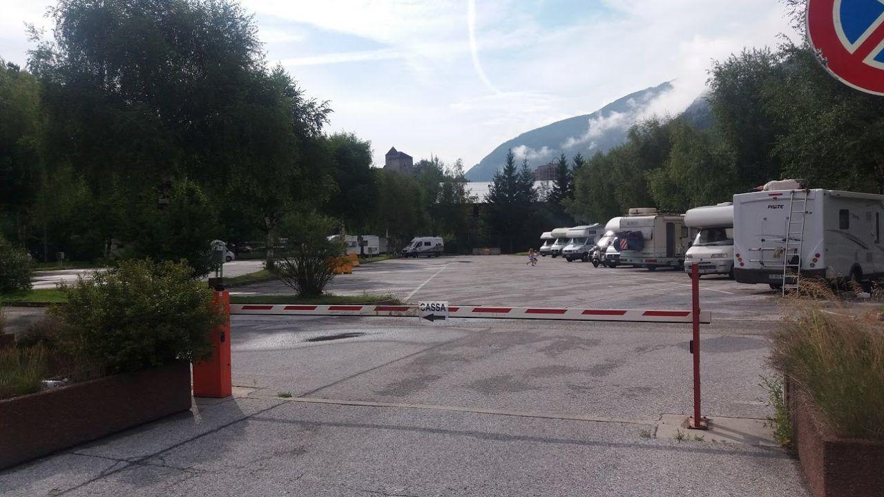 Area di sosta camper autocamp sadobre di campo di trens bz giro per campeggi - Sosta camper bagno di romagna ...