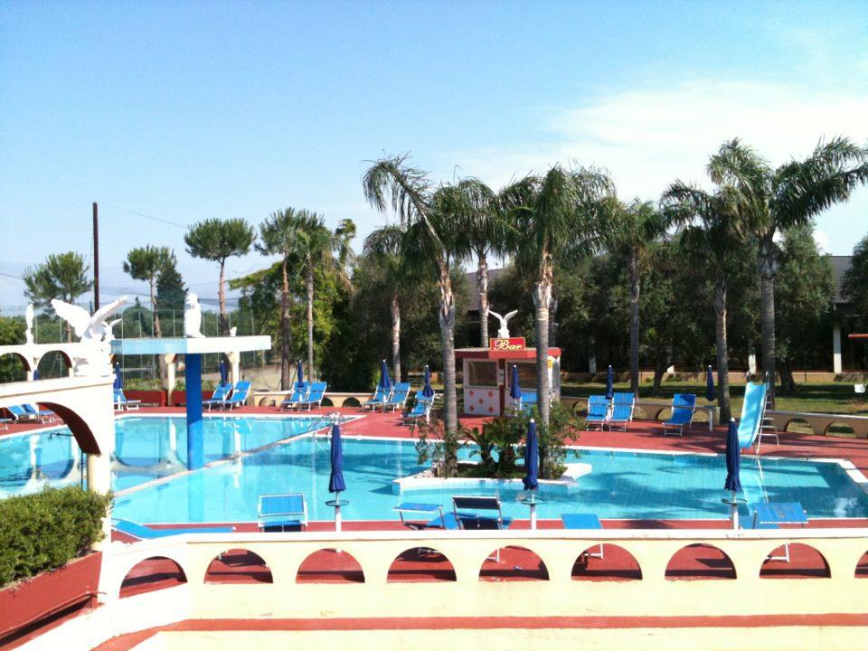 Hotel green garden village di carovigno br giro per for Campeggio green garden