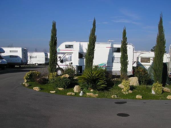 Parking le Terrazze di Roma (RM) - Giro Per Campeggi